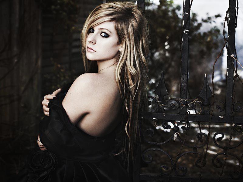 นักร้องสาวป็อปร็อก , ป็อปพั้ง Avril Lavigne